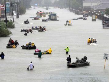 hurricane-harvey-houston-street-ap-ps-170828_4x3_992.jpg