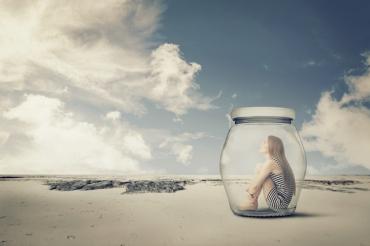 Woman-in-a-jar.jpg
